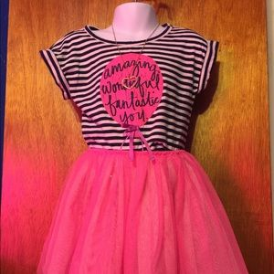 Cute Navy/ pink/ white 2pc tulle skirt set size 4T